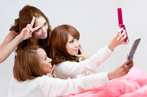 フェイスブック集客に「自撮り」は必須!?